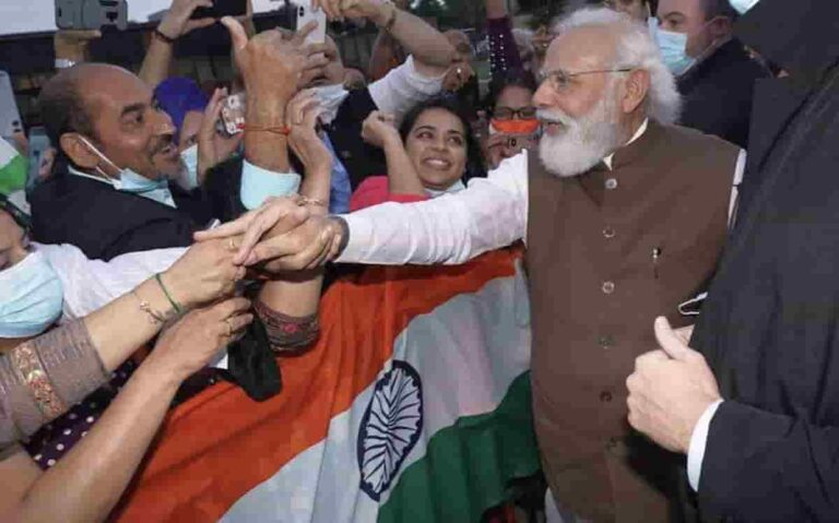 Indo-Americans Welcome PM Modi Warmly As His Flight Lands In Washington DC
